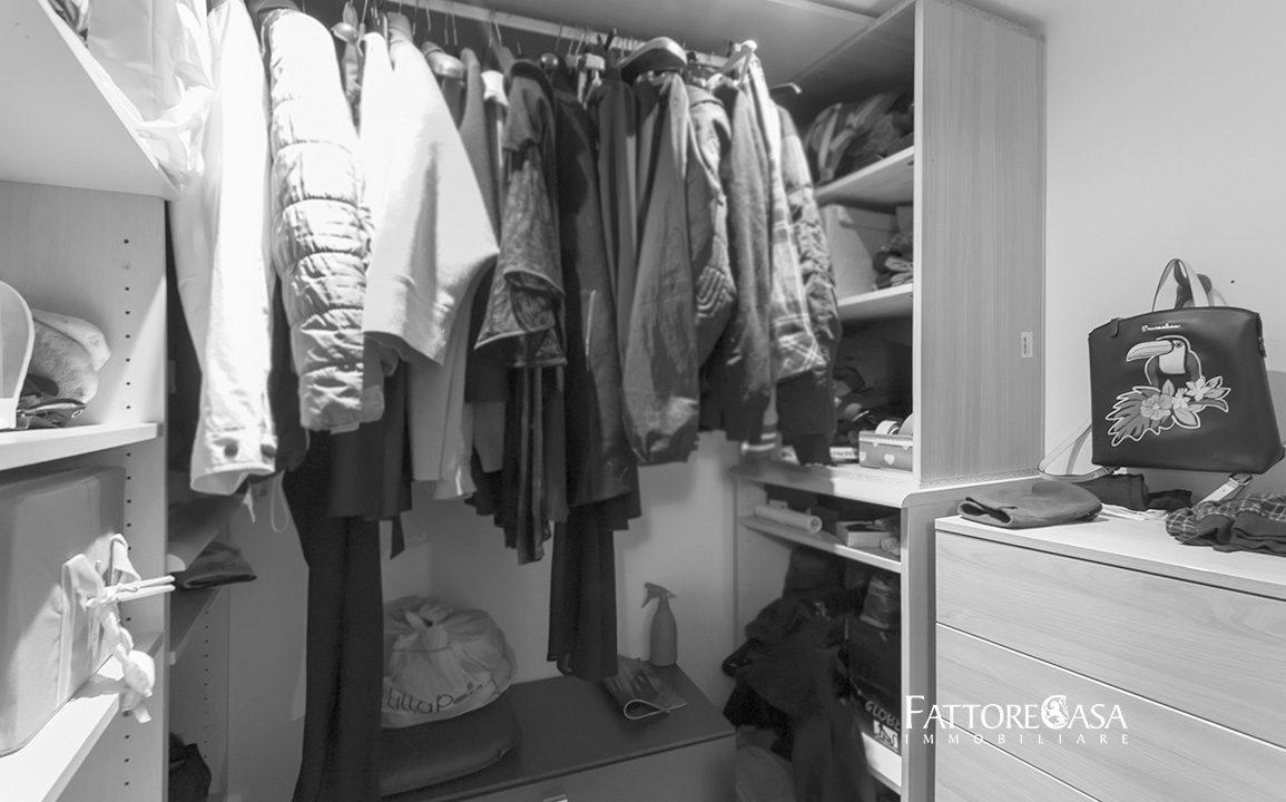 cabina armadio atrezzata