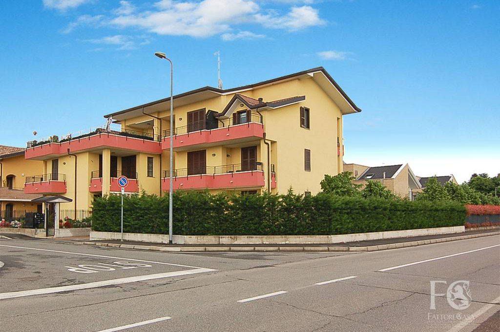 appartamento-trilocale-vendita-cislago-via-sorriso-1