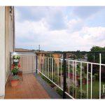 balcone ingresso appartamento vendita trilocale locate varesino co