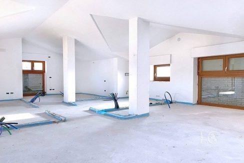 case_mozzate_trilocale_appartamento_mansarda13