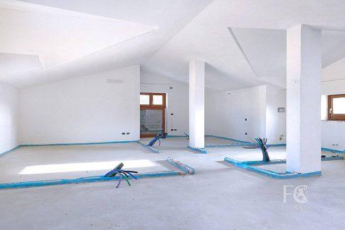 case_mozzate_trilocale_appartamento_mansarda16