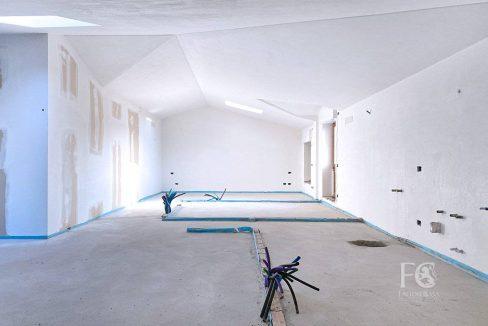 case_mozzate_trilocale_appartamento_mansarda9