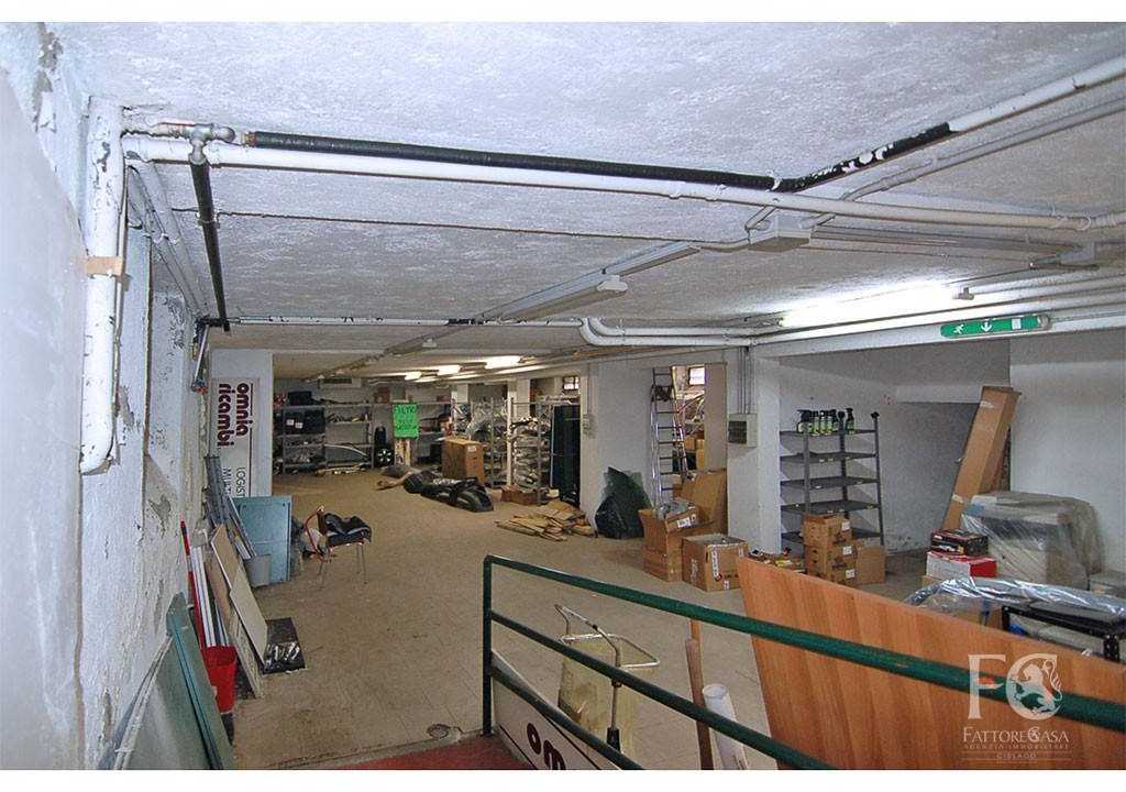 laboratorio-affitto-varesina-cislago-200mq-openspace-2