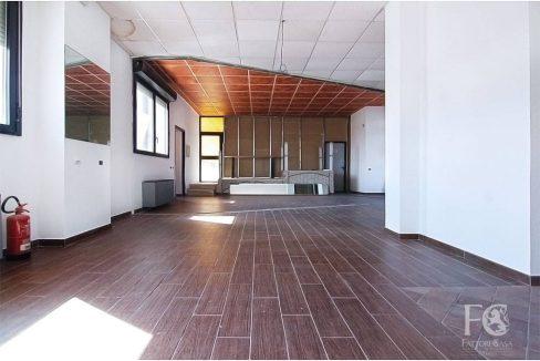 negozio-affitto-varesina-cislago-100mq-openspace-11