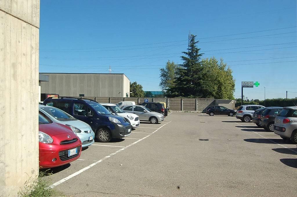 negozio-affitto-varesina-cislago-100mq-openspace-12