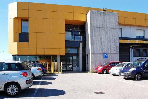 negozio-affitto-varesina-cislago-100mq-openspace-2