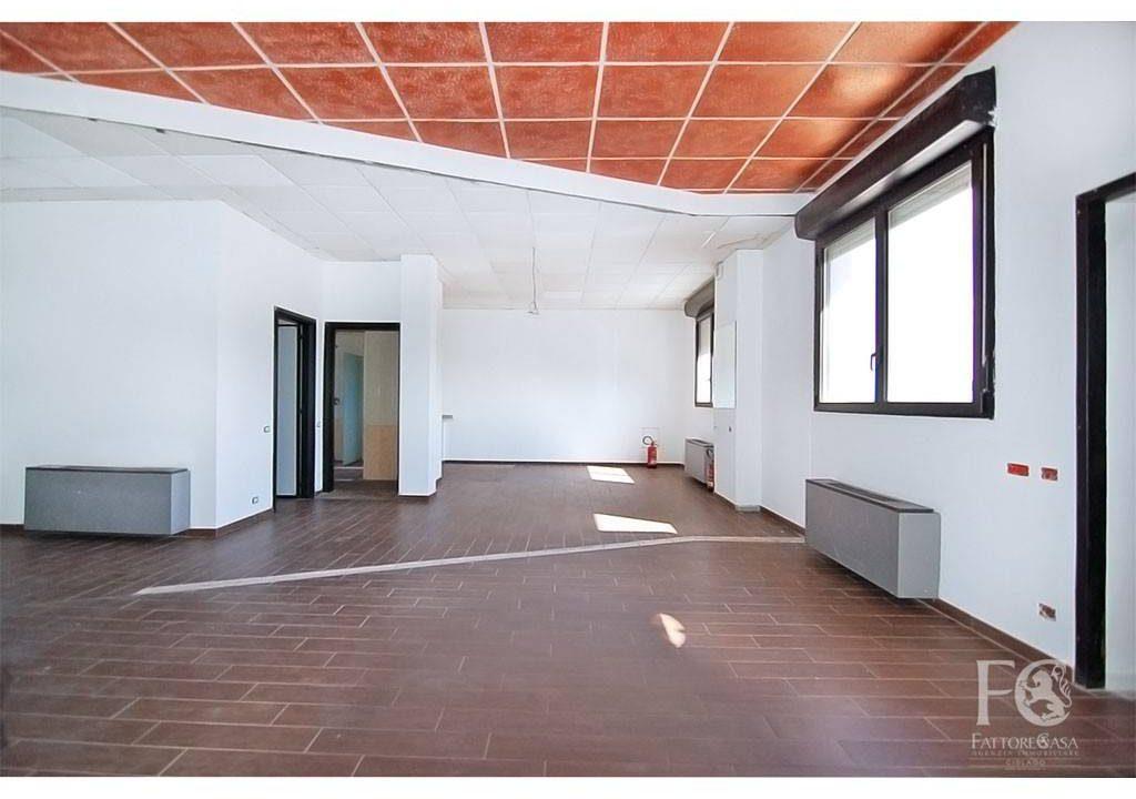 negozio-affitto-varesina-cislago-100mq-openspace-3