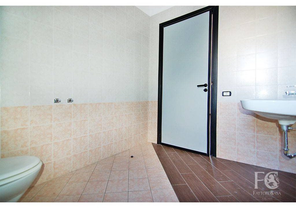 negozio-affitto-varesina-cislago-100mq-openspace-7